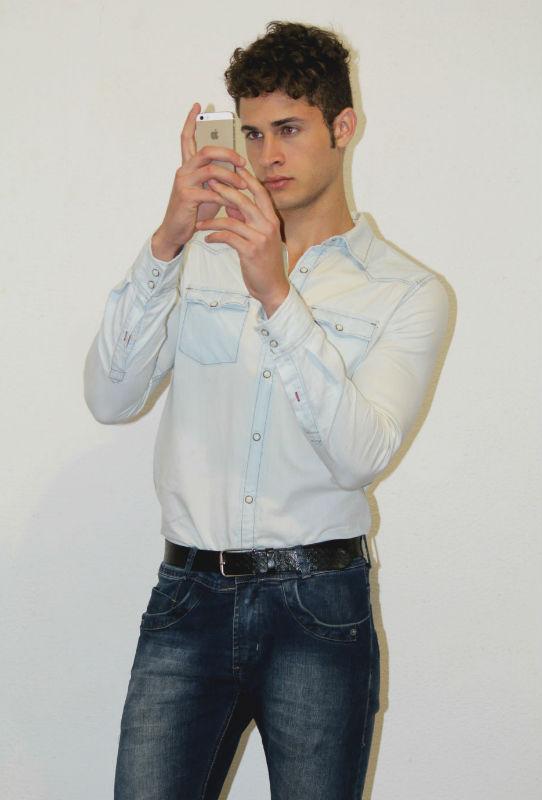 Homem No Espelho - Como dar um upgrade no seu estilo - JEANS COM JEANS - CAMISA JEANS