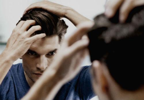 homem-no-espelho-como-cuidar-do-cabelo