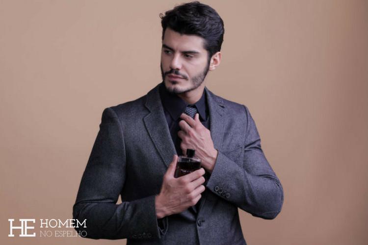 Homem No Espelho - Como escolher o perfume masculino ideal para cada ocasião