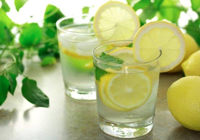 Health benefits of lemon water