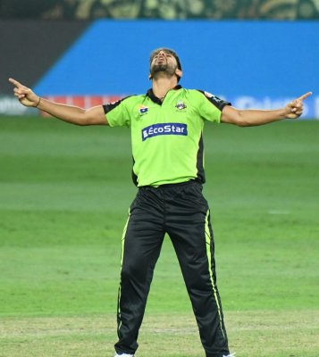 Haris Rauf wins it for Lahore Qalandars