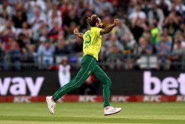 Imran Tahir bowled an incredible super over, SA 1-0 up