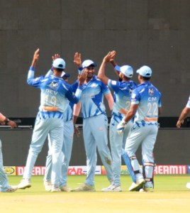 Tuskers cruise to 7-wicket victory against Bulls