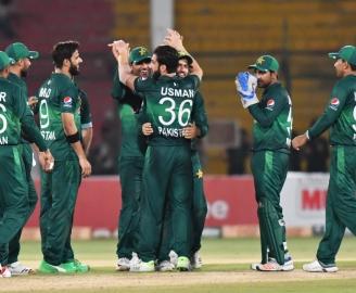 Shehzad, Akmal and Faheem named into T20I squad