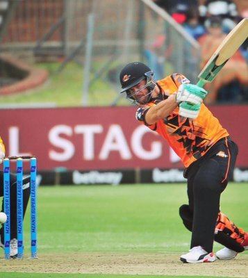 Chris Morris starred with bat and ball to earn a victory for NMB Giants
