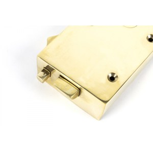 Polished Brass Right Hand Bathroom Latch Close up Home Refresh 2020
