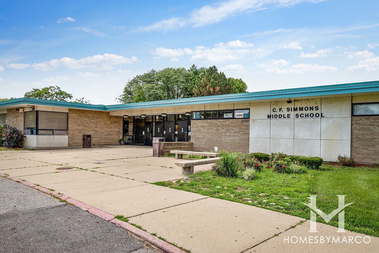 C F Simmons Middle School In Aurora Il Homes For Sale
