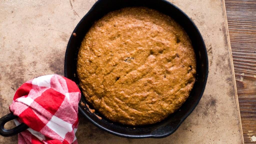 Spicy applesauce cake   Homesick Texan