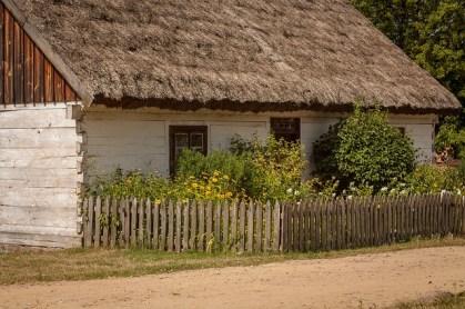 village-676755_640