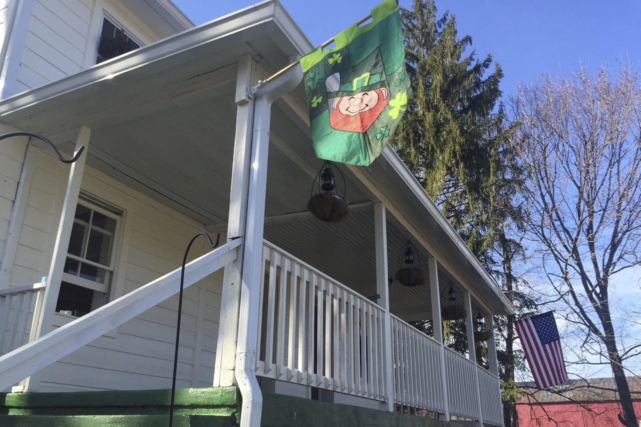 b&b front porch
