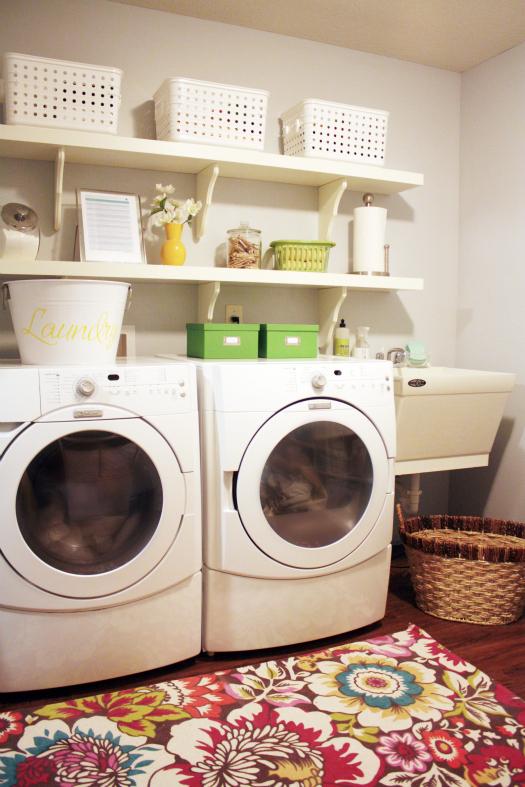 25 Small Laundry Room Ideas on Small Laundry Room Organization Ideas  id=44440