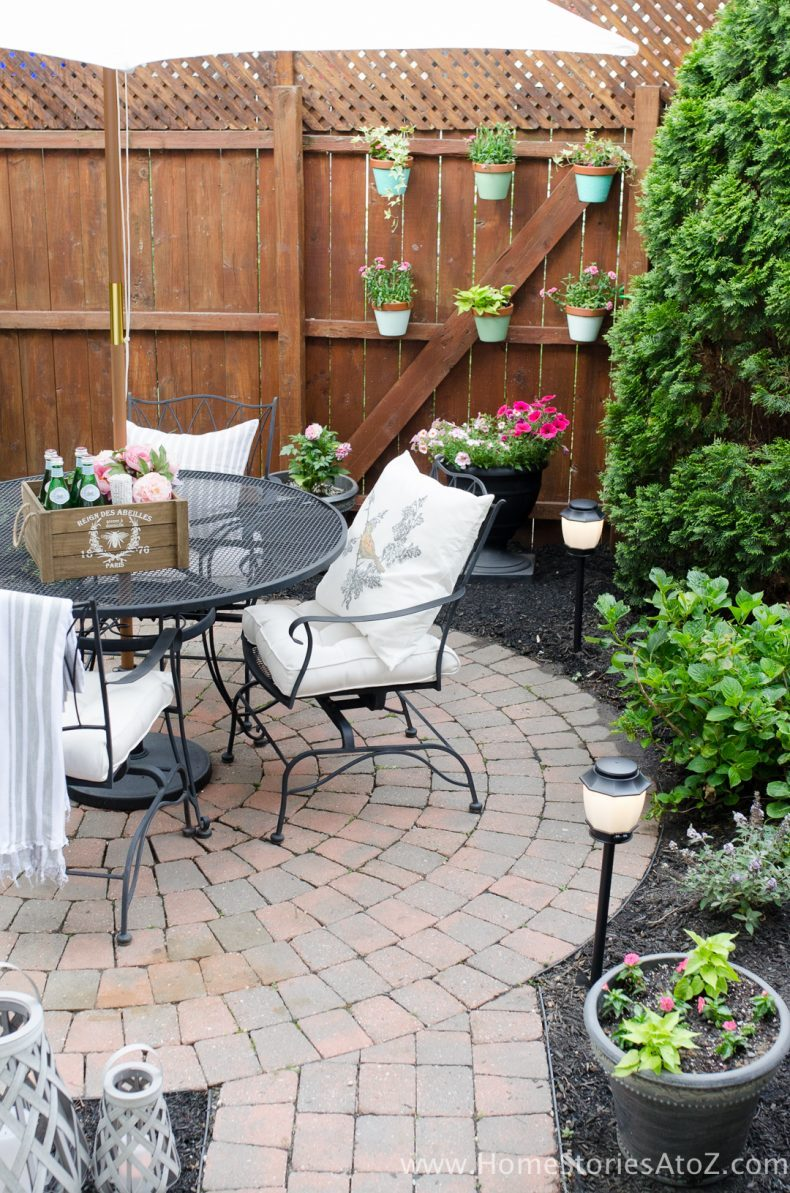 20 Amazing Backyard Living Outdoor Room Ideas on Small Backyard Renovation Ideas id=88398