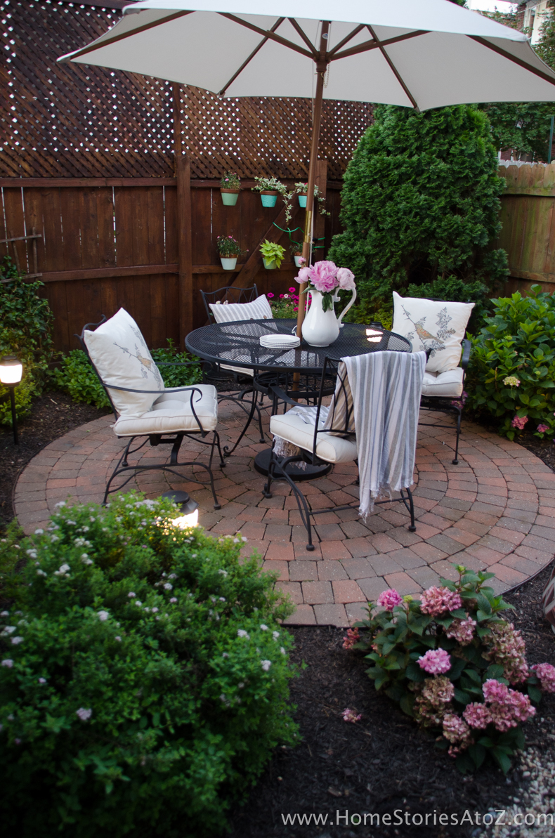Urban Picnic: 8 Small Backyard Entertaining Tips on Small Backyard Entertainment Area Ideas id=62962
