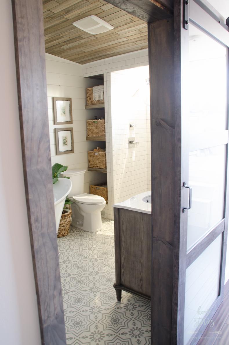 Beautiful Urban Farmhouse Master Bathroom Remodel on Bathroom Ideas Modern Farmhouse  id=69543
