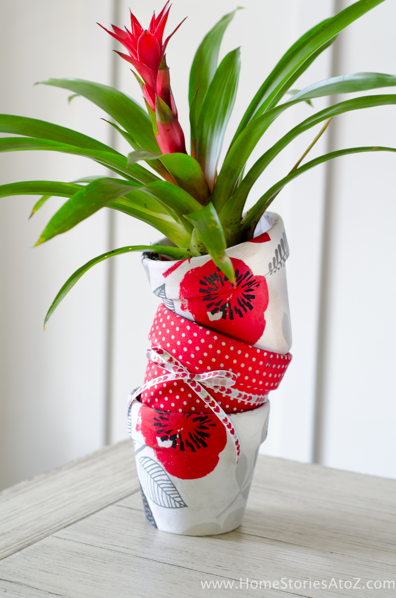 How To Mod Podge Flower Pots Easy DIY Gift Idea