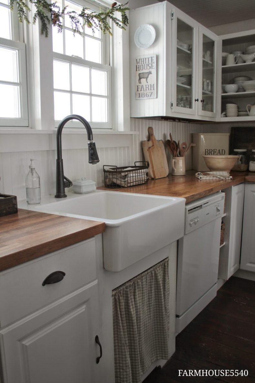 11 Beautiful Farmhouse Kitchens on Farmhouse Kitchen Counter Decor Ideas  id=69794