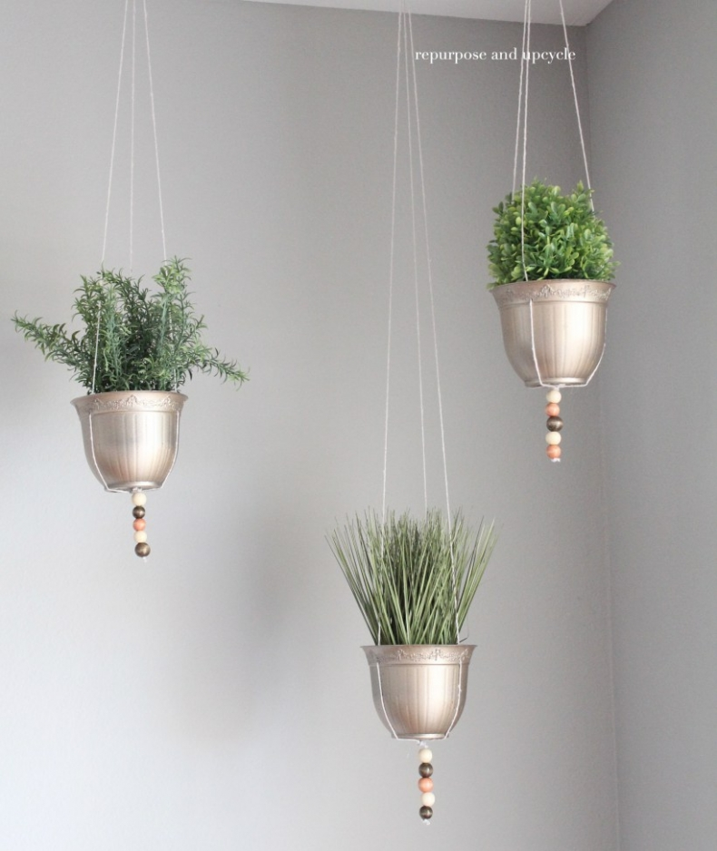 10 Cute and Easy Decorating Ideas for Spring on Plant Hanging Ideas  id=38623