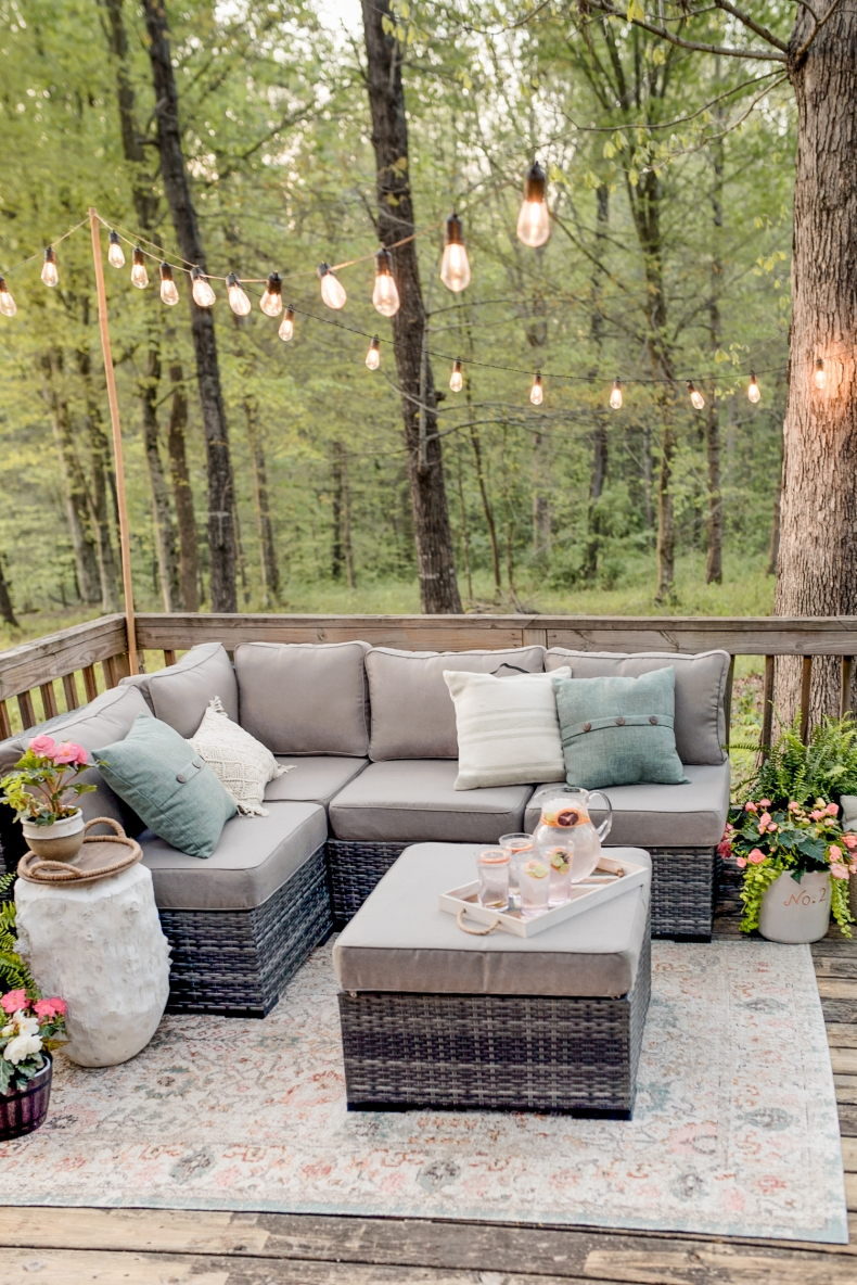Outdoor Decorating Ideas for Spaces of all Sizes on Garden Decor Ideas  id=24385