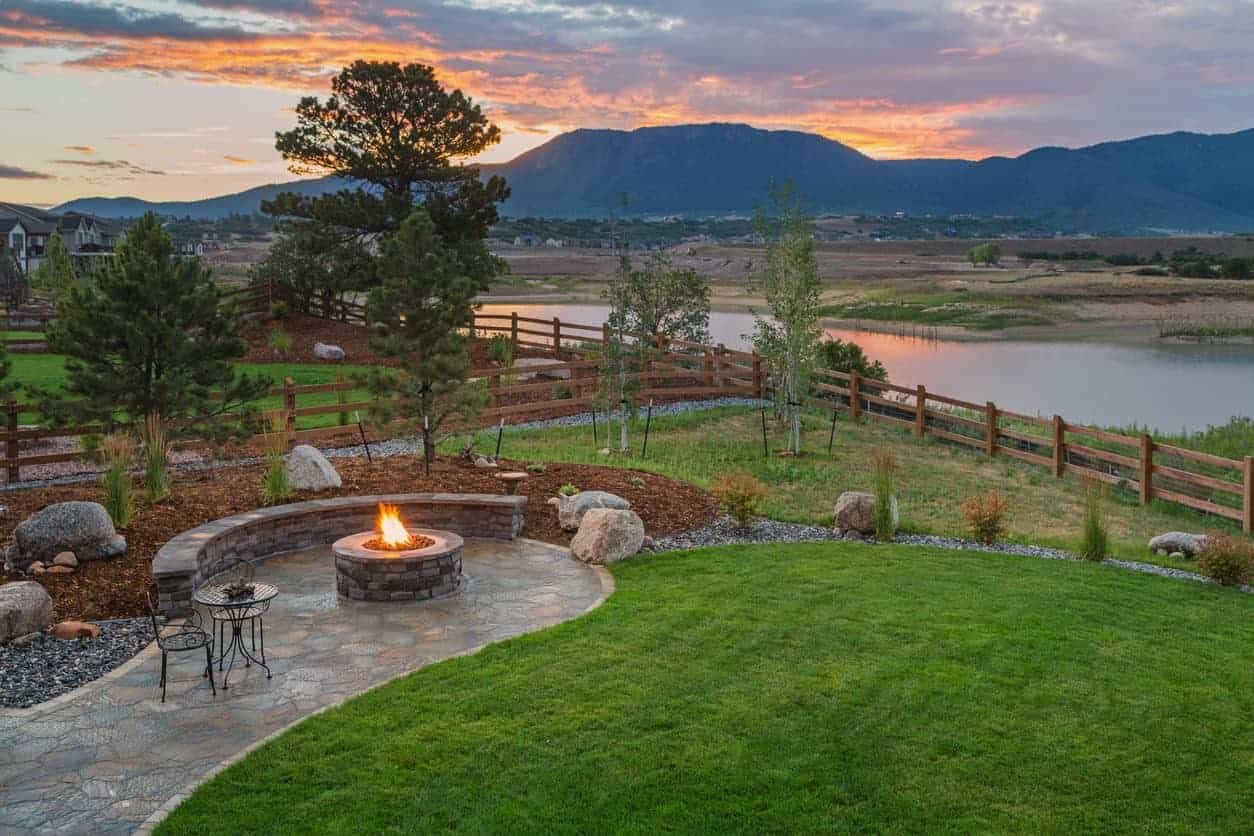 60 Backyard and Patio Fire Pit Ideas (Different Types with ... on Backyard Patio With Firepit id=11313