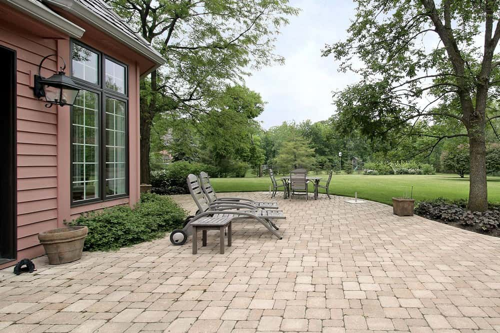 50 Brick Patio Patterns, Designs and Ideas on Patio Shape Designs id=68055