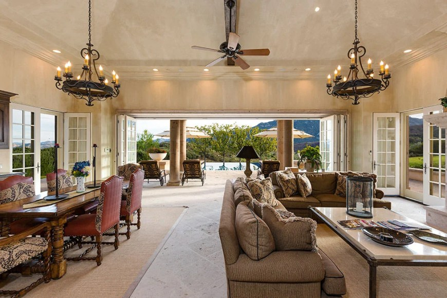 Britney_Speaars_Home2017-03-27 at 8.04.27 AM 17