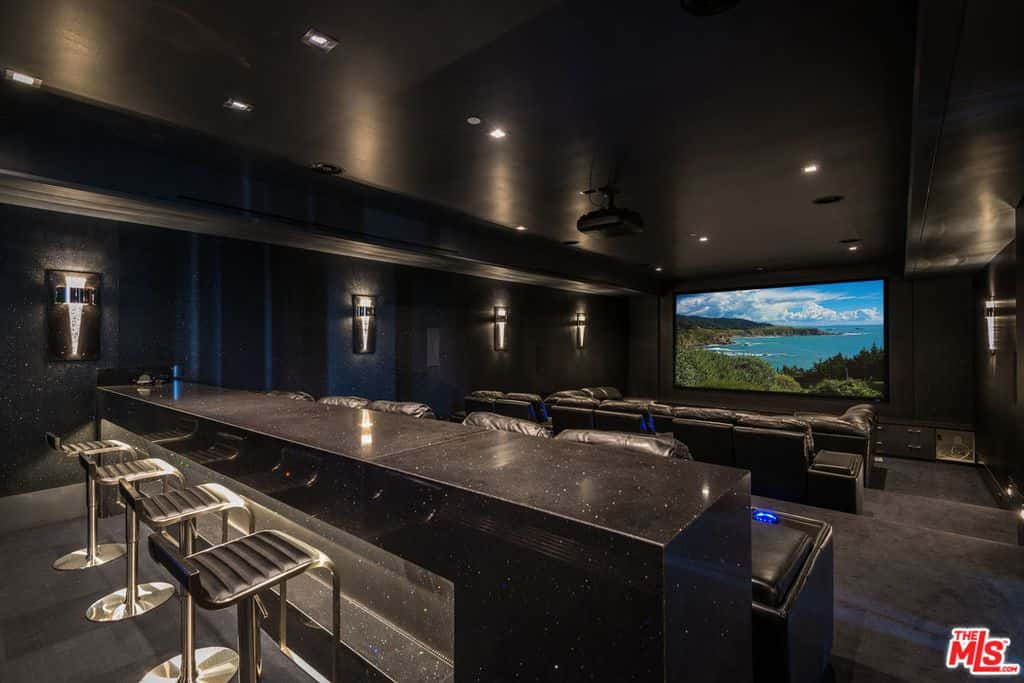 Wow Awesome 31000 Sq Ft Los Angeles Mansion With