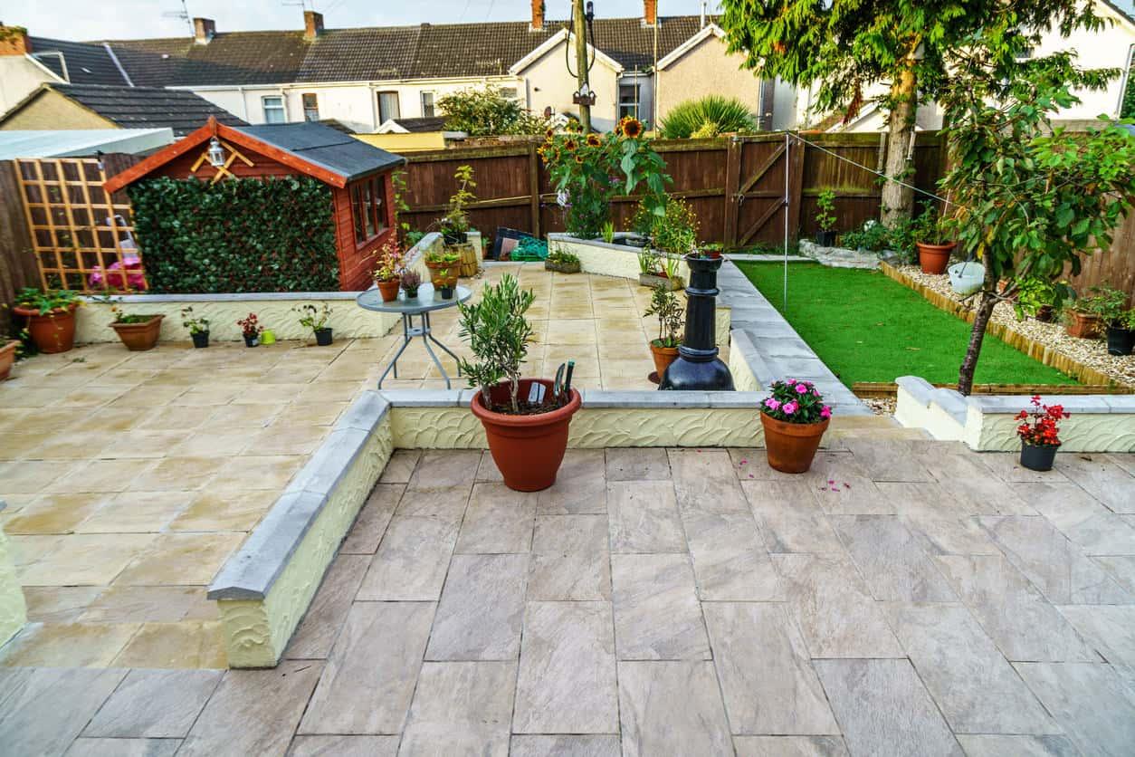 101 Patio Ideas and Designs (Photos) on Small Backyard Brick Patio Ideas id=53928