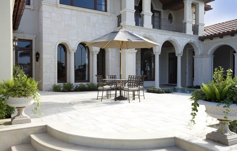 22 Luxury Patios (Photos) on Luxury Backyard Patios id=35552