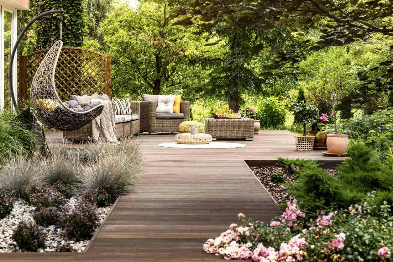 101 Backyard Landscaping Ideas for Your Home (Photos) on Backyard Landscaping Near Me id=64115