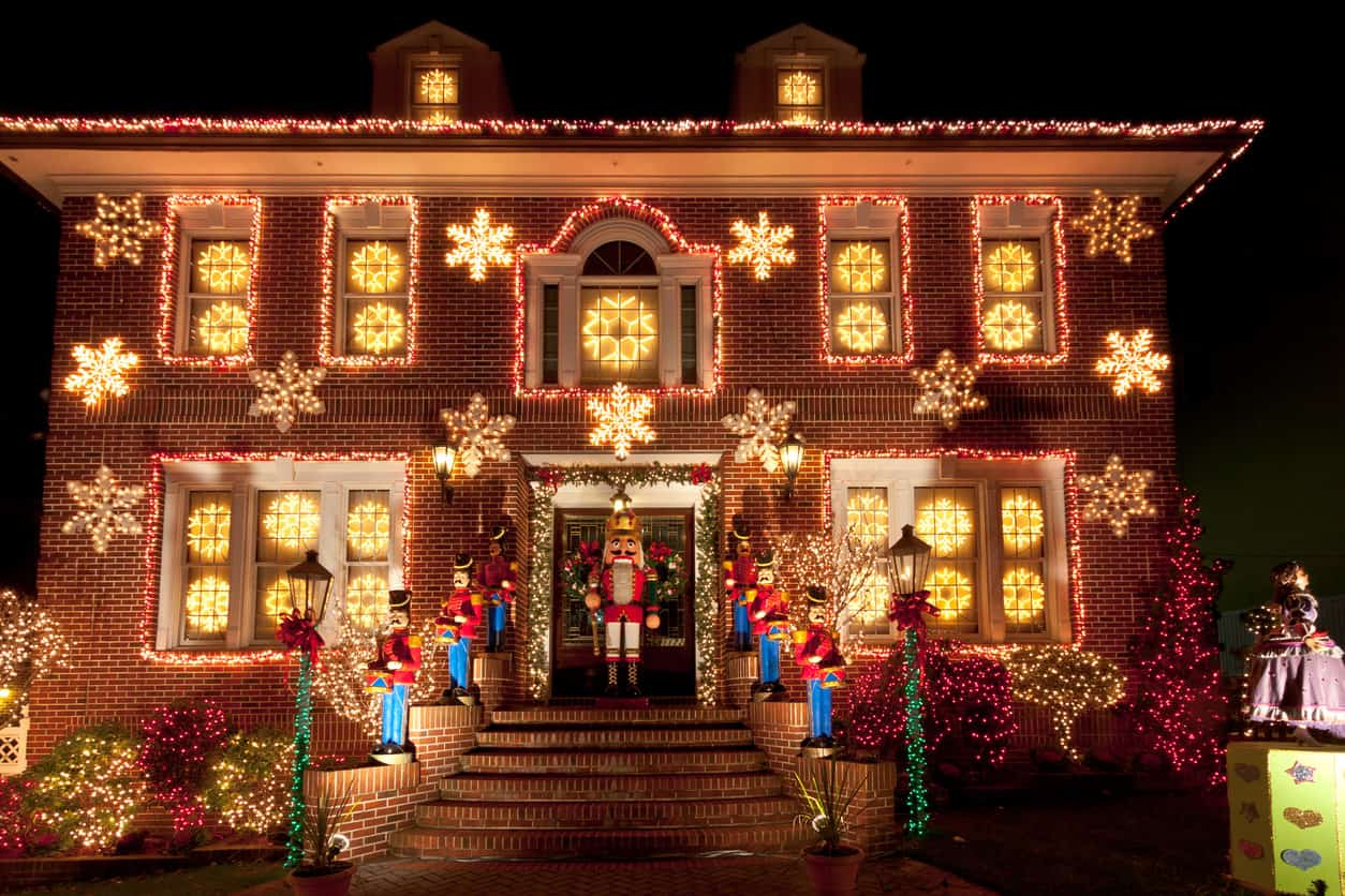 Gingerbread House Yard Decoration