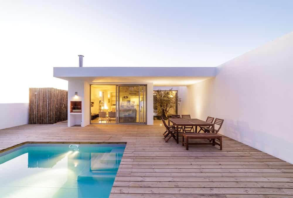 50 Modern Backyard Deck Ideas (Photos) on Modern Backyard Ideas With Pool id=34174