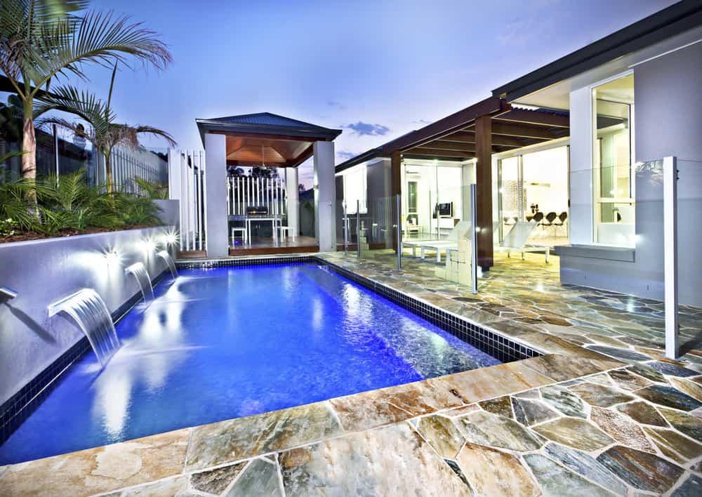 50 Swimming Pool House, Cabana and Pergola Ideas (Photos) on Small Pool Cabana Ideas id=46456