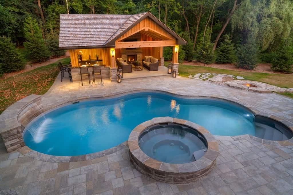 50 Swimming Pool House, Cabana and Pergola Ideas (Photos) on Small Pool Cabana Ideas id=98418