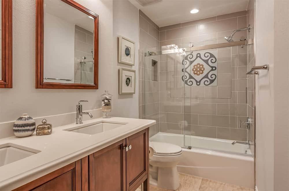 65 Medium-Sized Primary Bathroom Ideas (Photos) on Bathroom Ideas Photo Gallery  id=85848