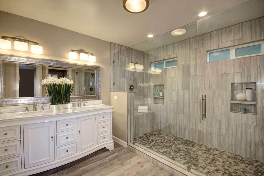 65 Medium-Sized Primary Bathroom Ideas (Photos) on Bathroom Ideas Photo Gallery  id=12869