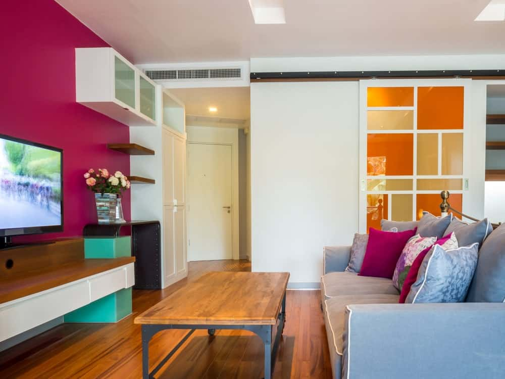 Not everyone has the time or money for a full makeover of their living room. 30 Multi-Colored Living Room Ideas (Photos)