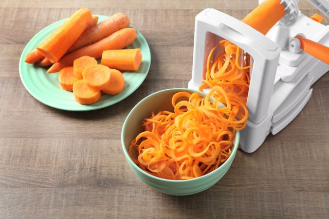Sebze spiralleştirici mutfak gadget'ı
