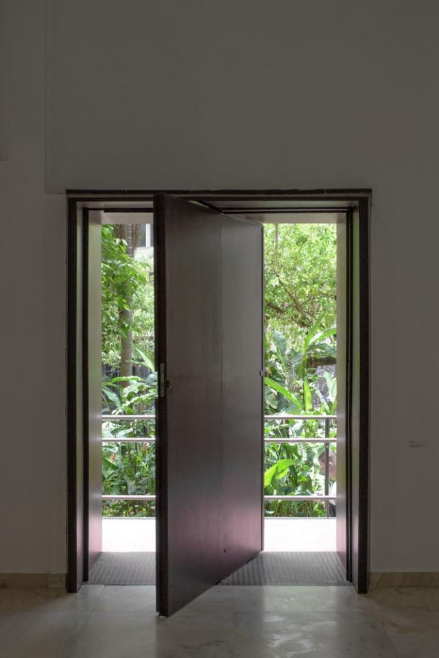 Bu, pivot kapı setine bir bakış.