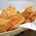 Fiori di zucca fritti con mozzarella ed alici