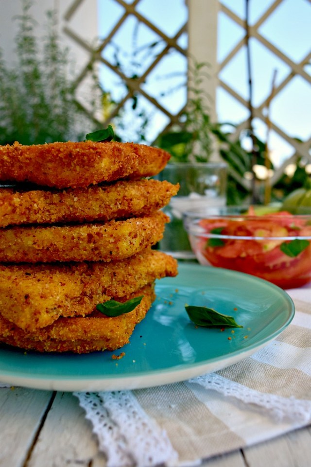Tramezzini fritti con ripieno di zucchine