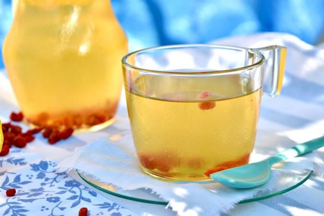 tisana di tè verde e bacche di goji