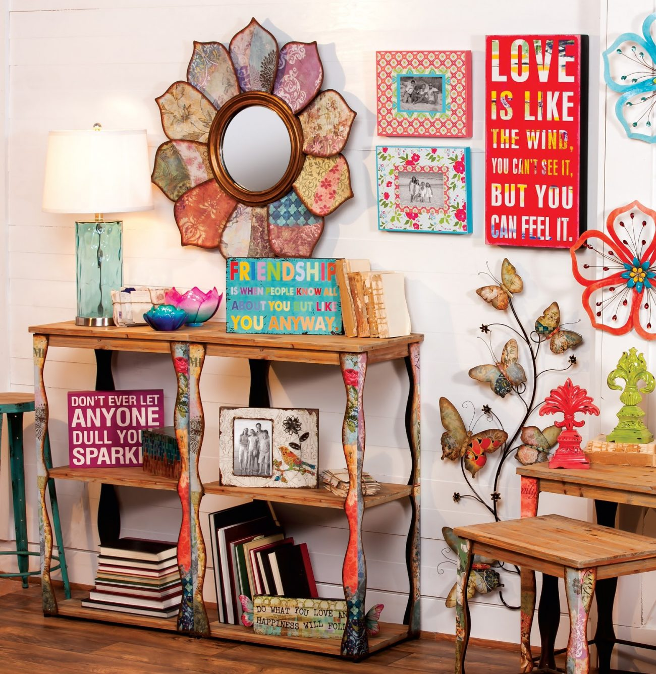 Bohemian Style In Home D    cor     Home Tips Bohemian style is the epitome of creativity and freedom of expression   Artists and unconventional people love it because the general rules of  interior
