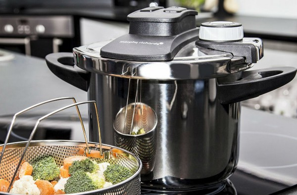 Best Pressure Cooker Reviews - Top 6 Pressure cookers for fast cooking and buyers guide,
