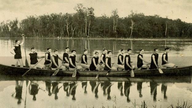 heritage-house-canoe