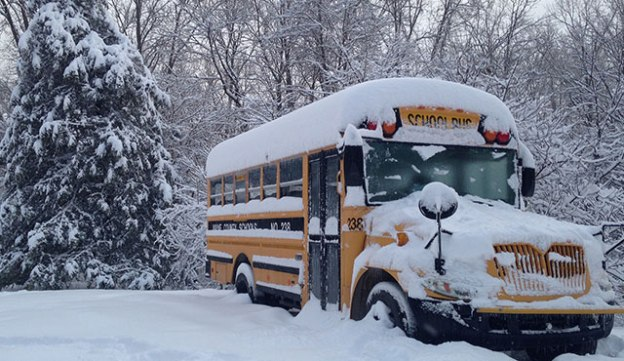 snow-day-bus