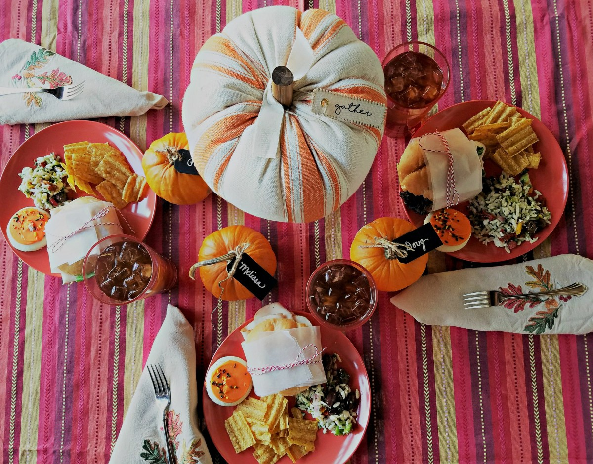 How to Create a Fall Tablescape with ThermoServ Dinnerware