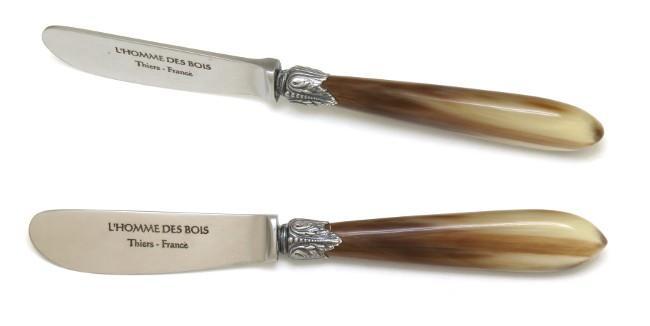 couteau a beurre en pointe de corne blonde virole n 42 en metal argente vieilli
