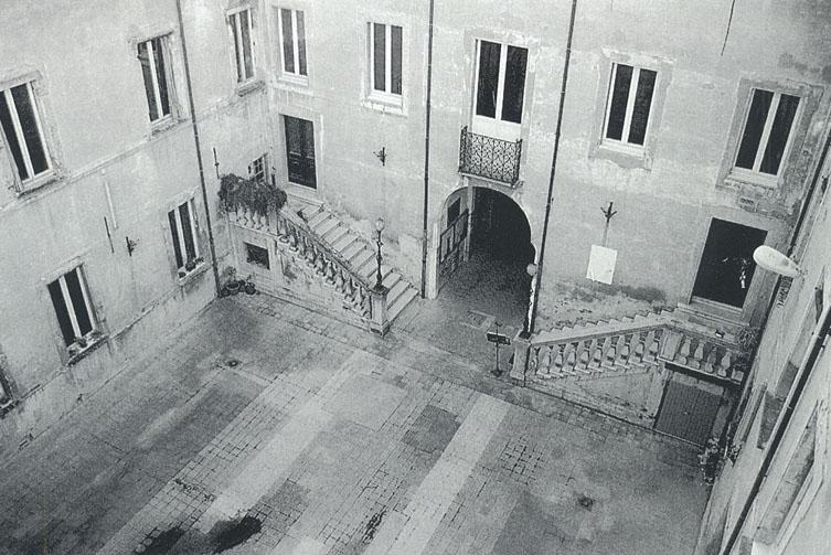 Risultati immagini per cortile interno palazzo guidi cesena