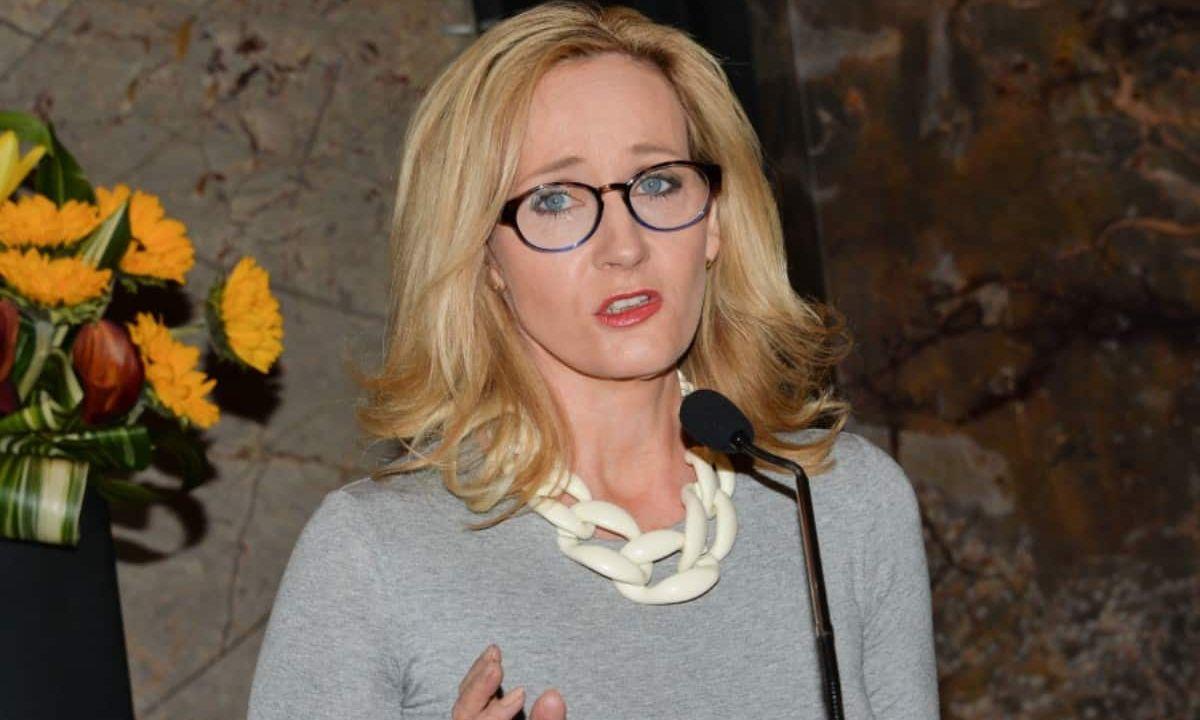 J. K. Rowling autora harry potter transfobia portada
