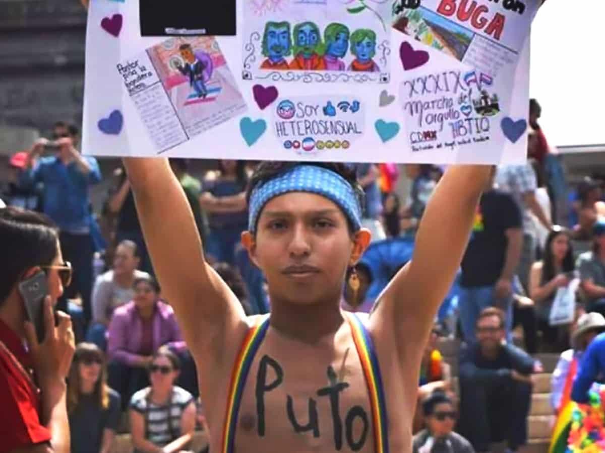 chico-gay-pelea-golpiza-metro-pino-suarez-0
